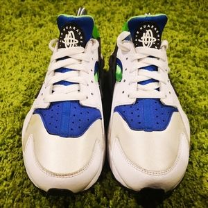 Nike Shoes - Nike Air Huarache Scream Green